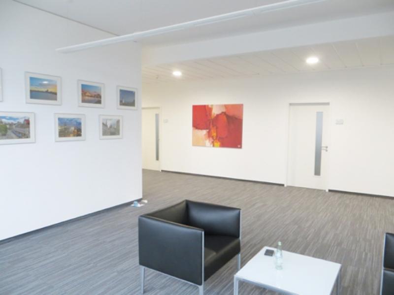 Wartebereich Rot Abstarkt Wehr Galerie