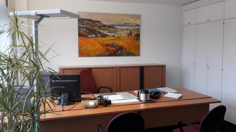 Christian Henze im Büro