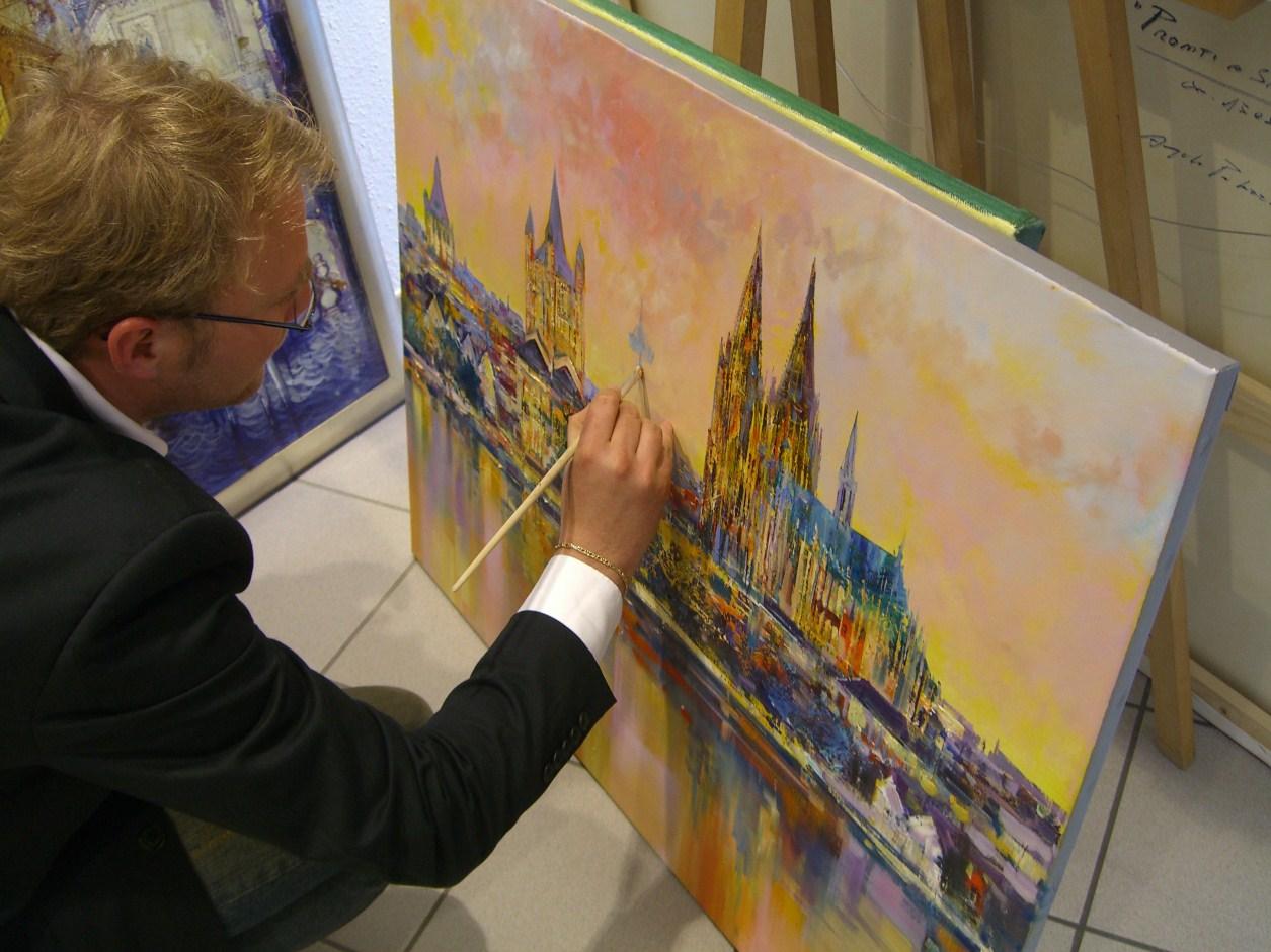 Christian Henze malt in der Galerie Wehr
