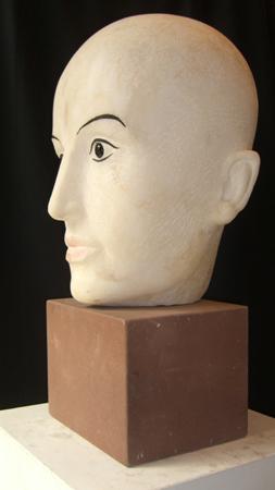 Weiblicher Kopf in Marmor